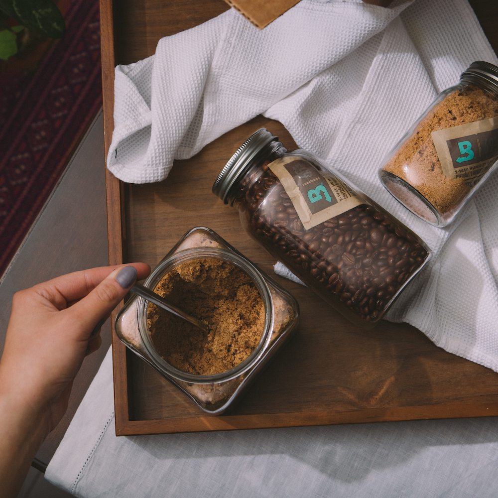boveda protecting sugar and coffee